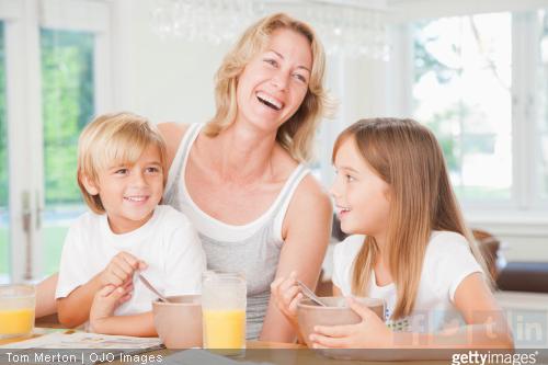 Pourquoi le petit déjeuner est-il un repas essentiel pour l'enfant ?