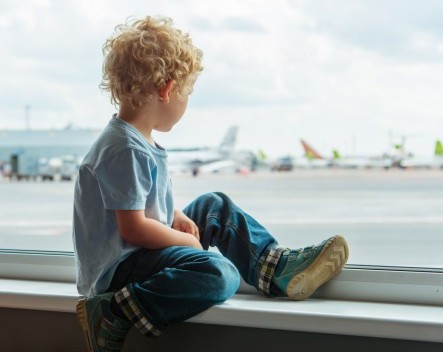 petit garcon aeroport